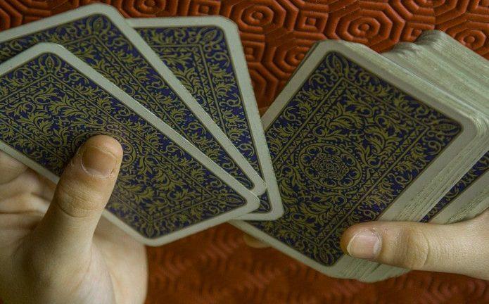 Wróżenie z kart tarota - podstawy